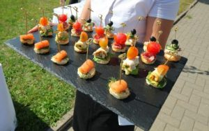 Free Pre-Dinner Canapes Deal